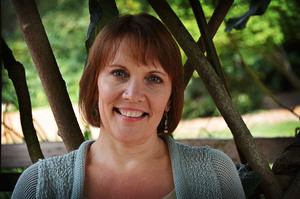 Teresa Maples is an EMDR therapist who helps people overcome trauma.